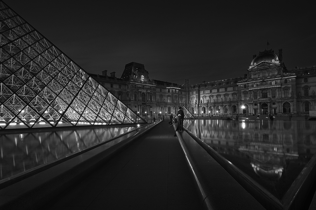 Lights in Louvre, Paris