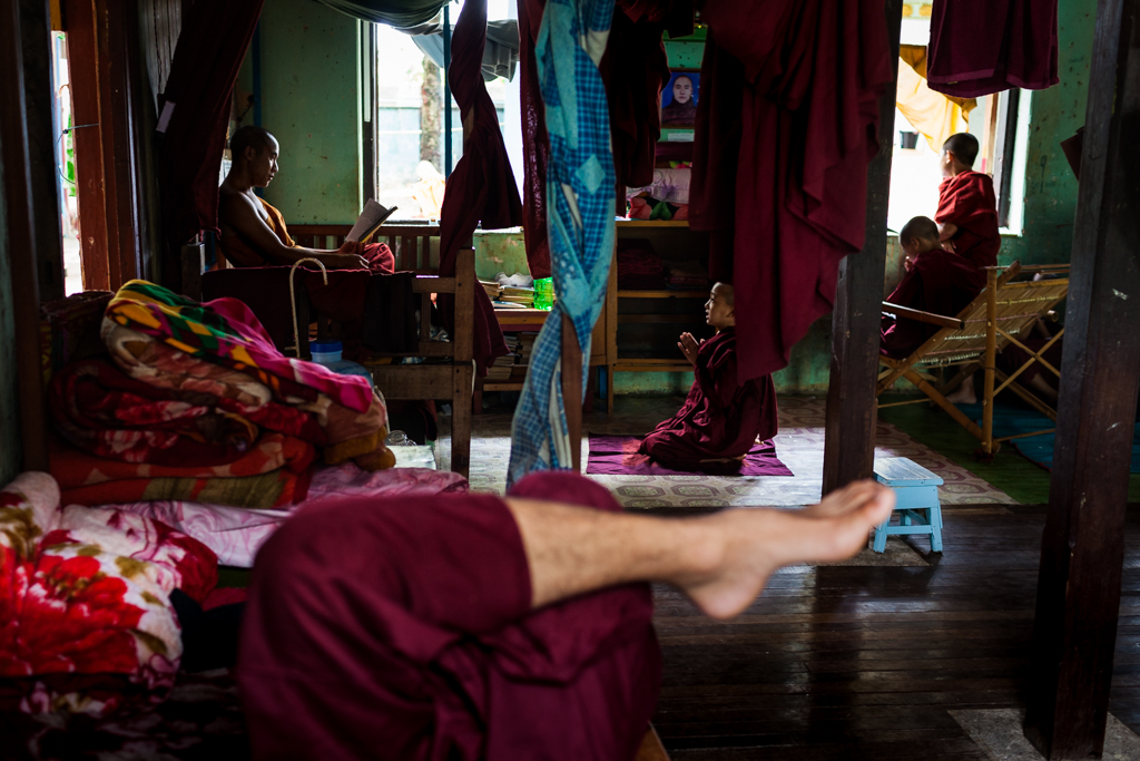 thumbnail Surprises of peaceful monks of Myanmar