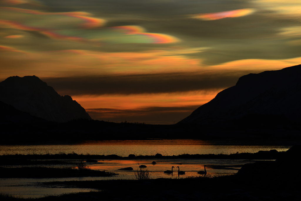 Nacreous clouds