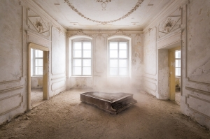 Piano in the Dust